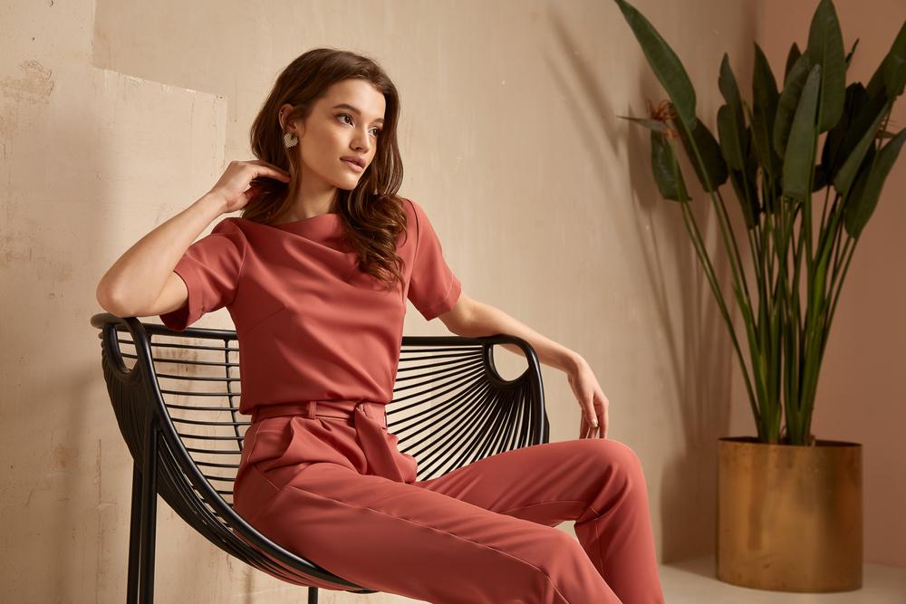 Chemisier de couleur : tendance mode femme en 2021